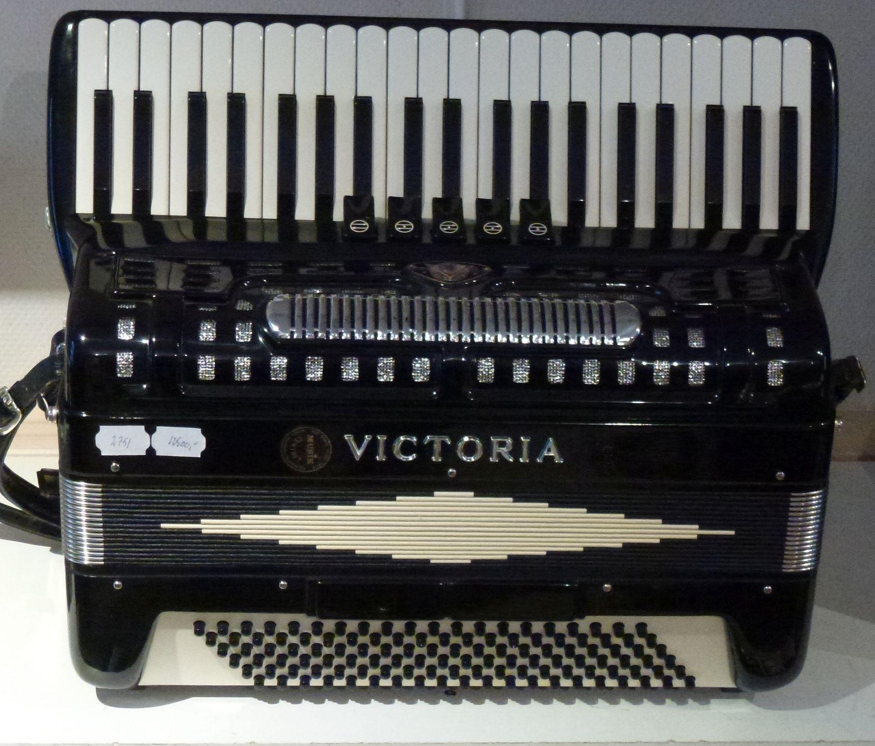 Victoria <br />Meget let harmonika med flotte stemmer