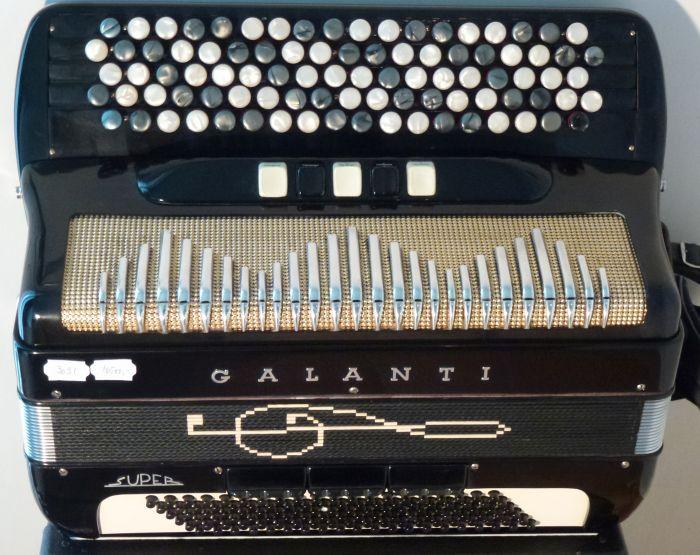 Galanti Super<br />Flot og med rigtig gode stemmer