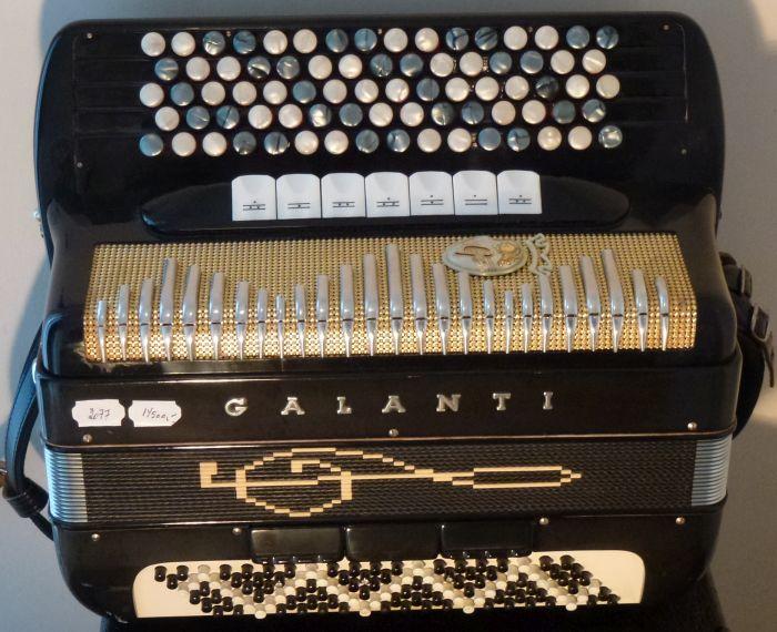 Galanti <br />Lille fin harmonika med rigtig gode stemmer
