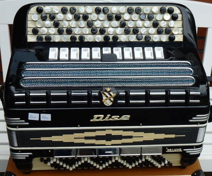 Dise De Luxe<br />Sjov ældre harmonika med gode stemmer