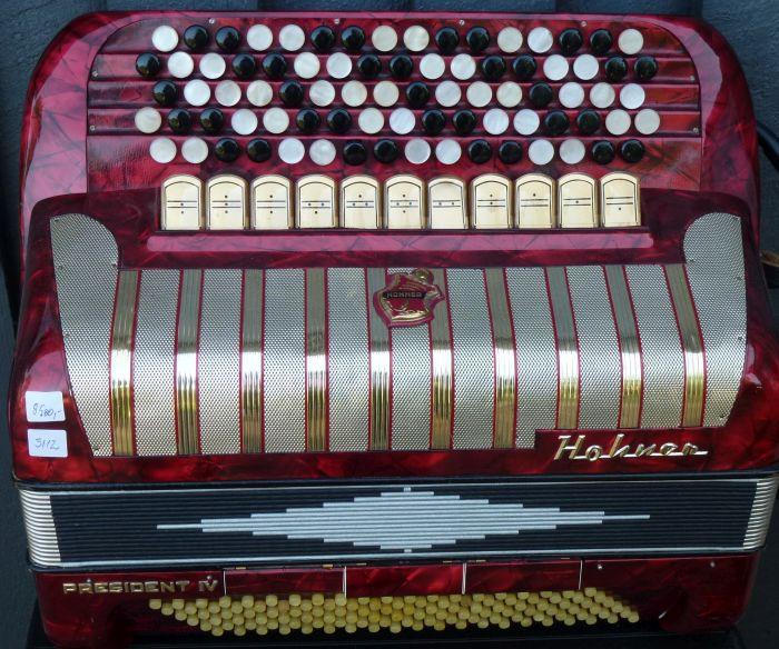 Hohner President<br />Fin ældre harmonika
